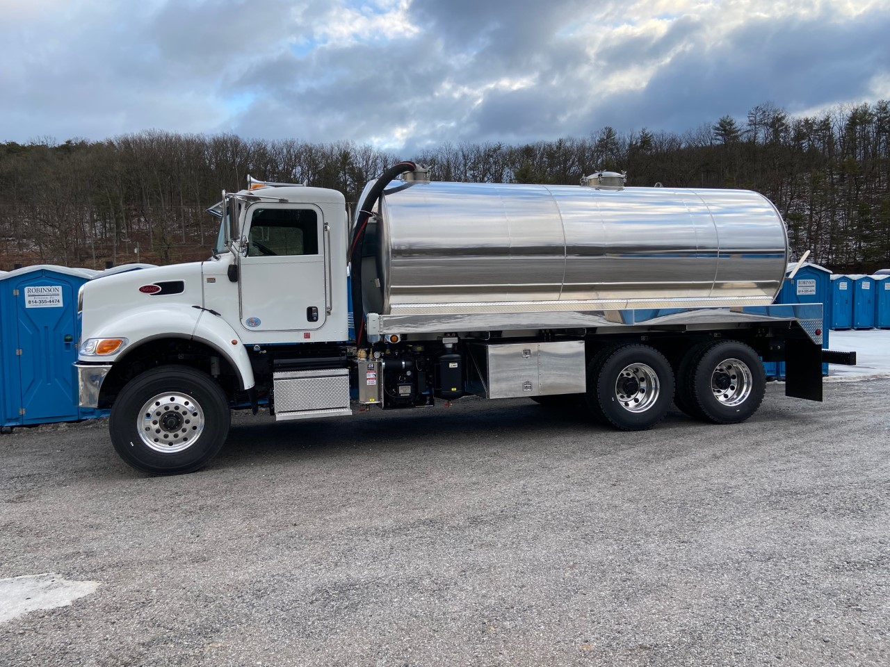2020 Peterbilt 348 with 4200 gallon aluminum vacuum tank
