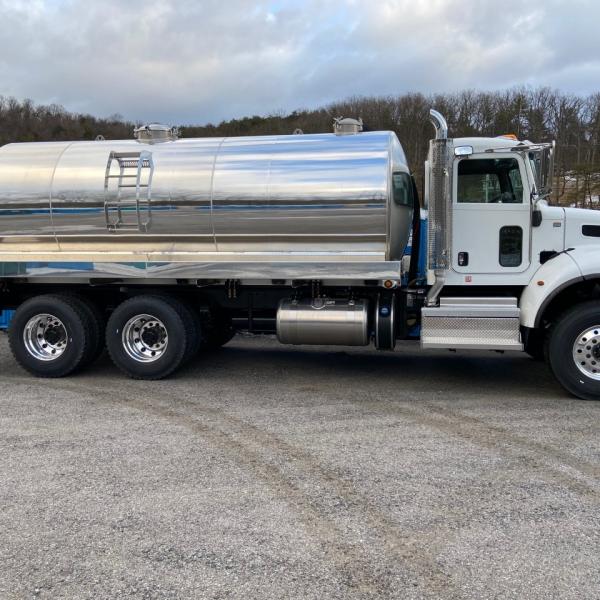2020 Peterbilt 348 with 4200 gallon aluminum vacuum tank